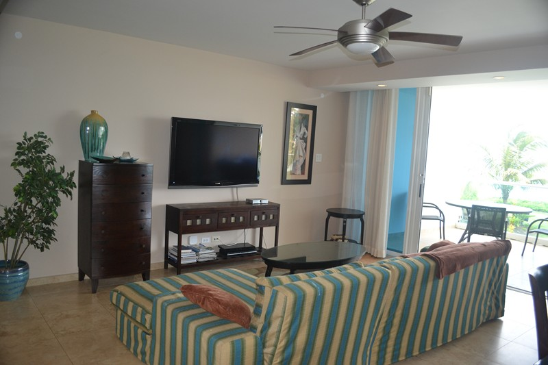 relaxing living area of this Barbados vacation rental