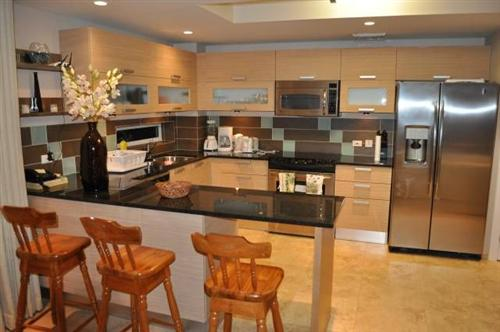 barbados ocean one 401 modern kitchen